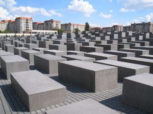 640px-Holocaust-Mahnmal_Berlin_2006