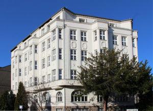 Schulgebäude fuu-sachsen Zentrum für Weiterbildung und International Education Projects